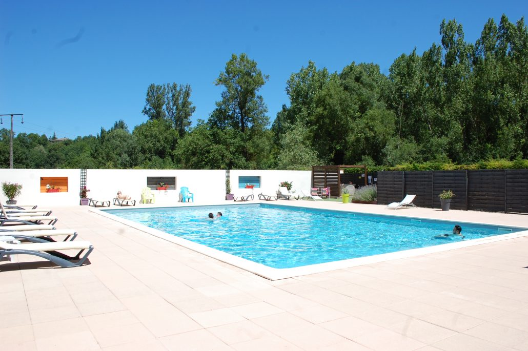 Camping aveyron avec piscine camping le caussanel 5 dans for Camping allier avec piscine